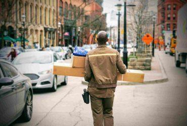 Een zakelijk pakket versturen via verschillende vervoerders